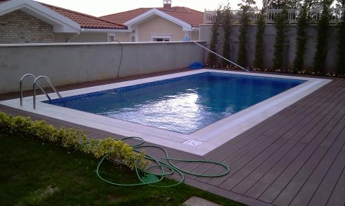 Yüzme Havuzu 1